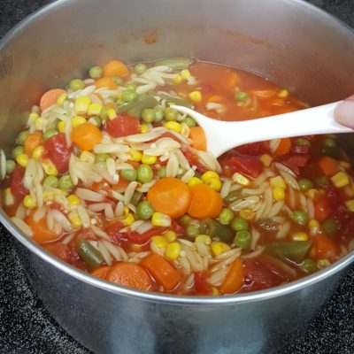 Easy vegetable soup on the stove