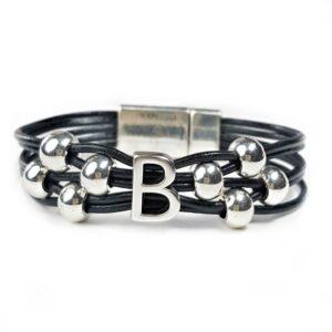Initial Bracelet G Black leather.